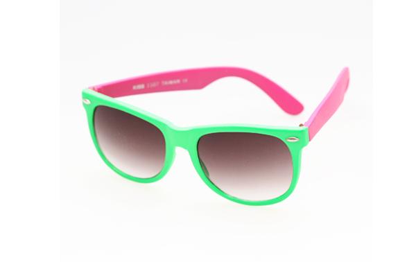 Wayfarer solglasögon i grönt   rosa 115db557c7aff